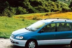 Toyota Picnic minivan foto 3