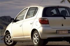 Toyota Yaris hečbeka foto attēls 1