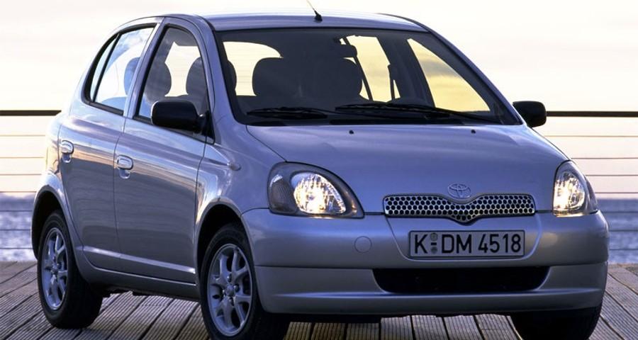 Toyota Yaris 1999 foto attēls