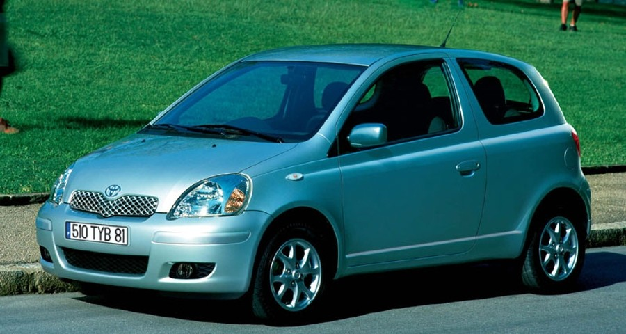toyota yaris 3 door hatchback 2003 2005 reviews technical data prices. Black Bedroom Furniture Sets. Home Design Ideas