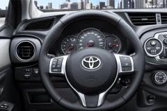 Toyota Yaris hečbeka foto attēls 14