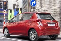 Toyota Yaris hečbeka foto attēls 2