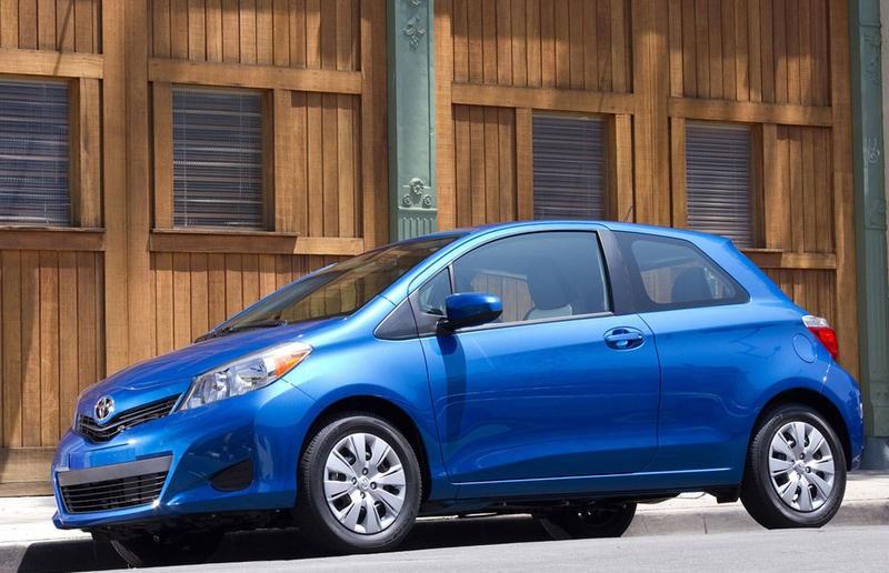 Toyota Yaris 2011 foto attēls