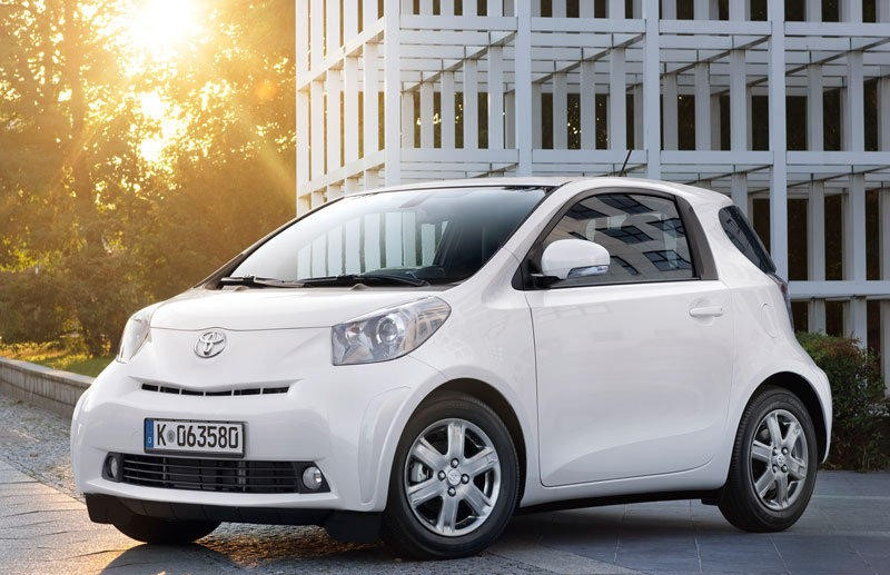 toyota iq reviews technical data prices. Black Bedroom Furniture Sets. Home Design Ideas