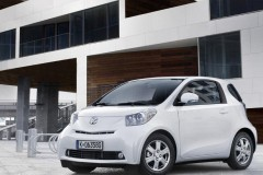 Toyota iQ hečbeka foto attēls 7