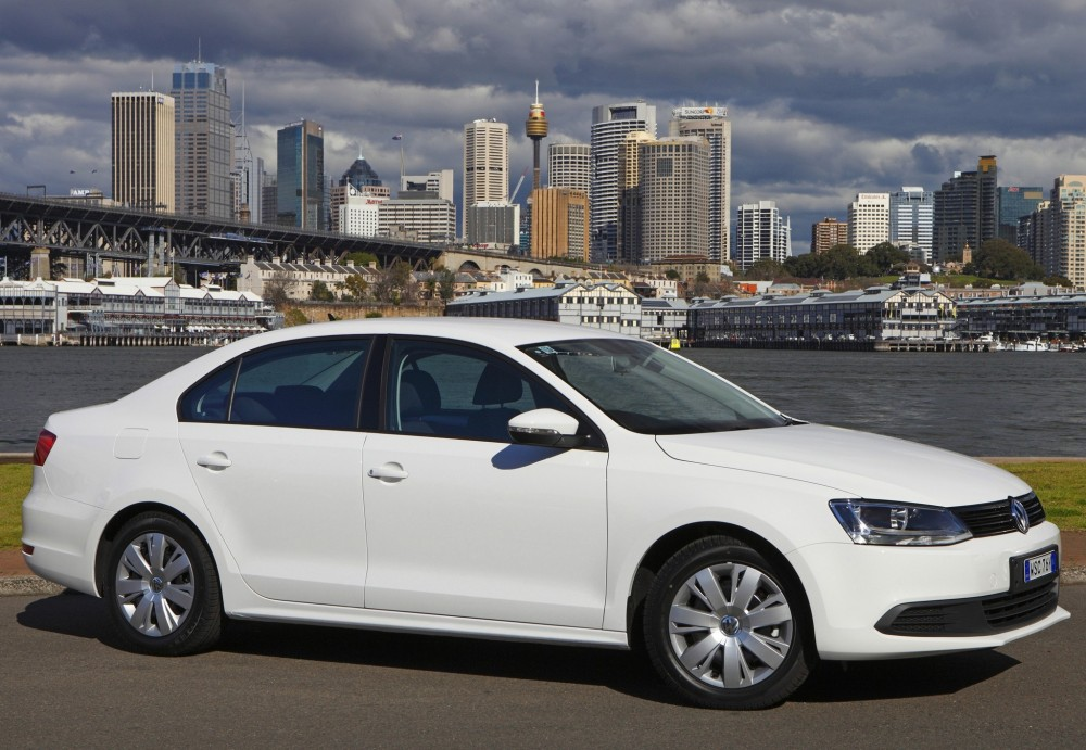 volkswagen jetta sedan   reviews technical data prices