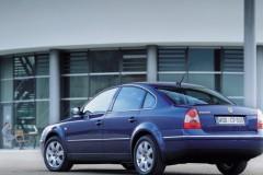 Volkswagen Passat sedan foto 2