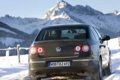 Volkswagen Passat sedana foto attēls 9