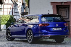 Volkswagen Passat Variant familiar foto 7