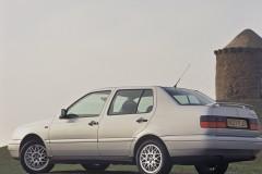 Volkswagen Vento sedana foto attēls 2