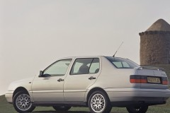 Volkswagen Vento sedan photo image 2