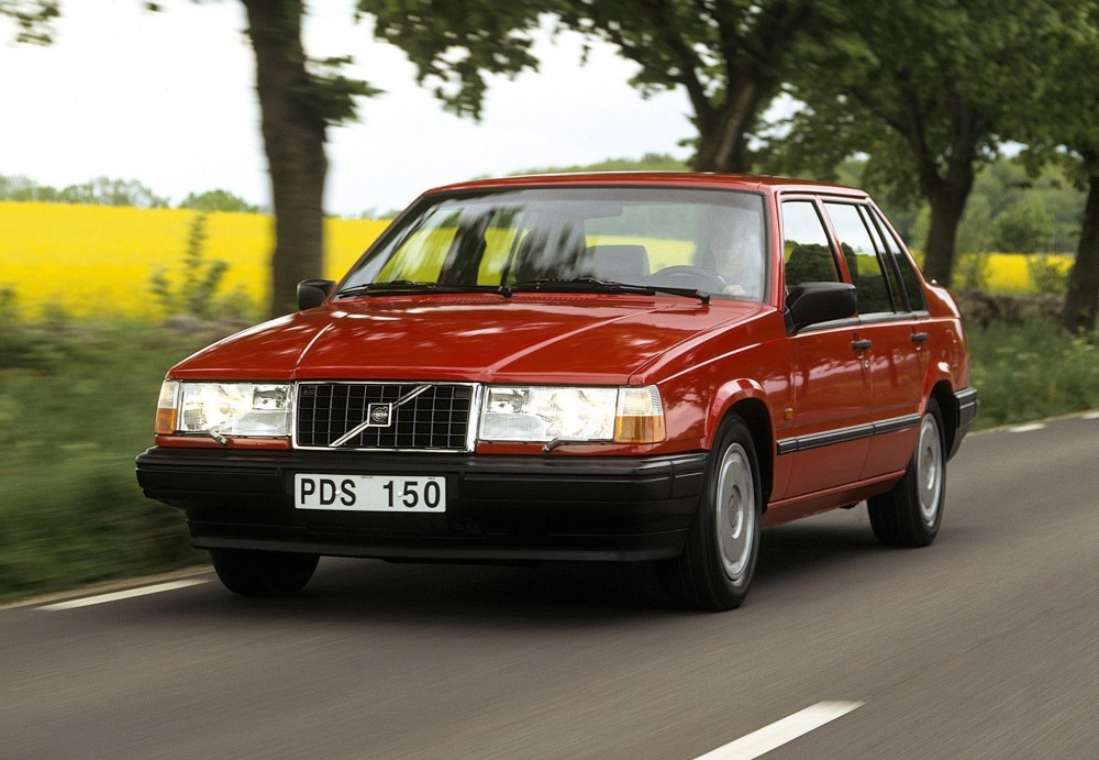 Volvo 940 Sedan 1990 - 1996 reviews, technical data, prices
