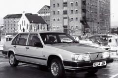 Volvo 940 sedana foto attēls 2