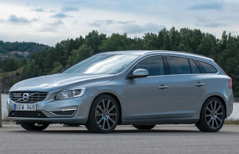 Volvo V60 2013 foto attēls