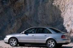 Audi A4 sedana foto attēls 7