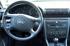 Audi A4 sedana foto attēls 16