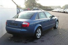 Audi A4 sedana foto attēls 5