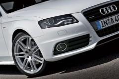 Audi A4 sedan photo image 3