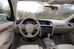 Audi A4 Allroad estate car photo image 7