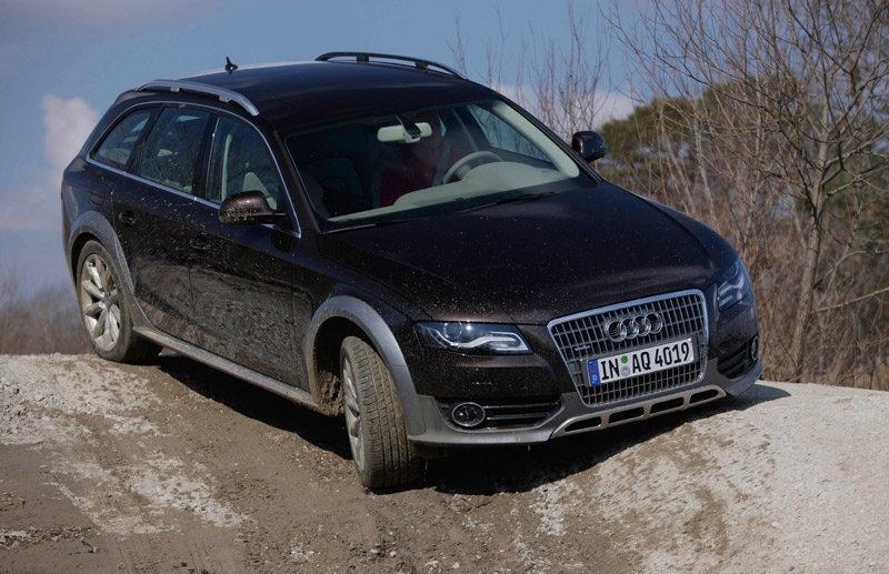 Audi A4 2009 foto attēls