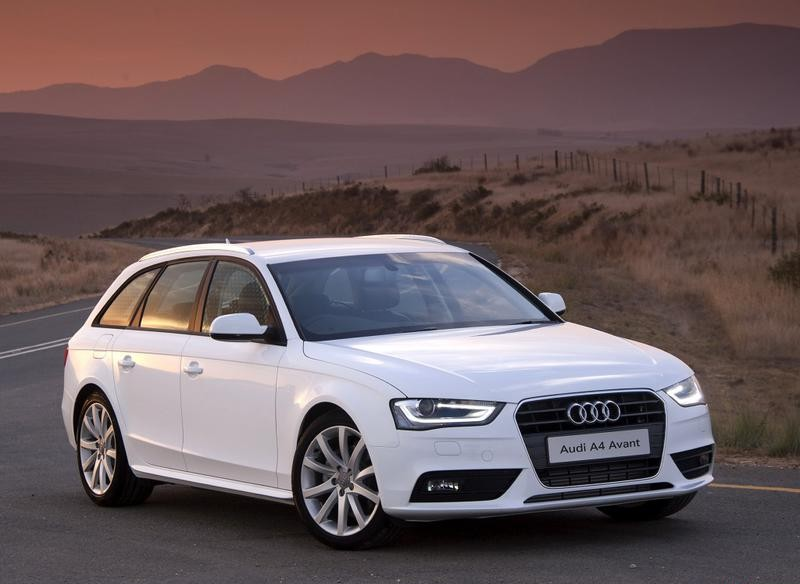 audi a4 avant estate car wagon 2011 2015 reviews technical data prices. Black Bedroom Furniture Sets. Home Design Ideas