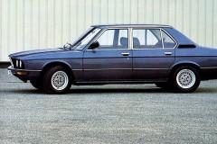 BMW 5 sērijas E12 sedana foto attēls 1