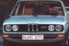BMW 5 sērijas E12 sedana foto attēls 8