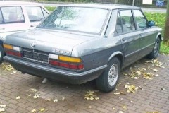 BMW 5 sērijas E28 sedana foto attēls 1