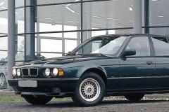 BMW 5 sērijas E34 sedana foto attēls 5