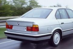 BMW 5 sērijas E34 sedana foto attēls 8