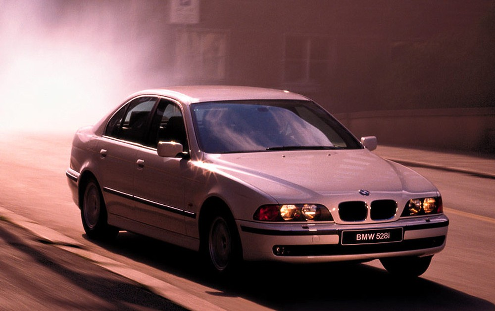 BMW 5 series E39 Sedan 1995  2000 reviews technical data prices
