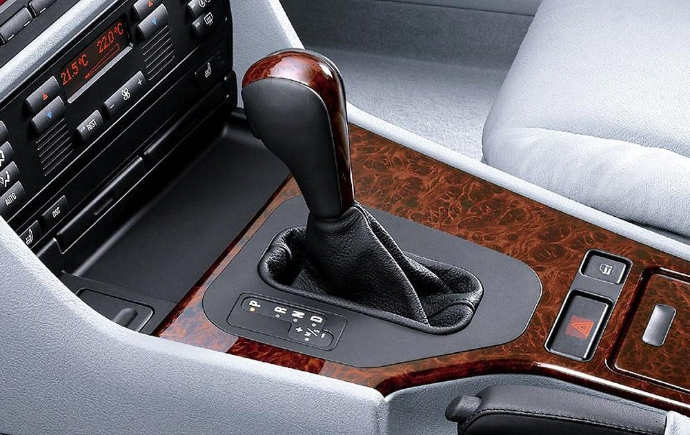 BMW 5 series E39 Sedan 1995 - 2000 reviews, technical data, prices