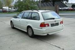 BMW 5 series Touring E39 estate car photo image 2
