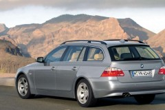 BMW 5 series Touring E61 estate car photo image 15