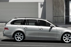 BMW 5 series Touring E61 estate car photo image 4