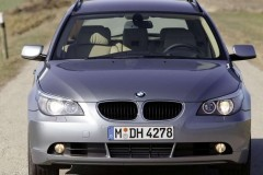 BMW 5 series Touring E61 estate car photo image 10