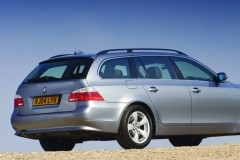 BMW 5 series Touring E61 estate car photo image 12
