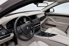 BMW 5 series F10 sedan photo image 2