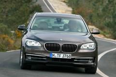 BMW 7 sērijas F01/02 sedana foto attēls 17
