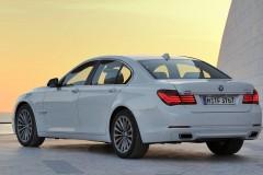 BMW 7 sērijas F01/02 sedana foto attēls 1