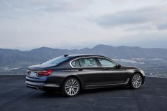BMW 7 sērijas G11/G12 sedana foto attēls 13