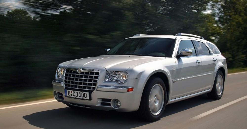 Chrysler 300C Touring Estate car  wagon 2004  2011 reviews