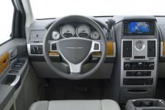Chrysler Grand Voyager minivena foto attēls 15