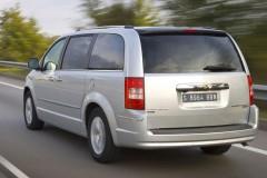Chrysler Grand Voyager minivan photo image 11