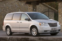 Chrysler Grand Voyager minivan photo image 9