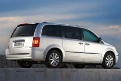 Chrysler Grand Voyager minivan photo image 5
