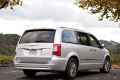 Chrysler Grand Voyager minivena foto attēls 1