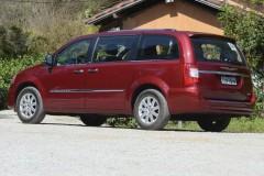 Chrysler Grand Voyager minivena foto attēls 5