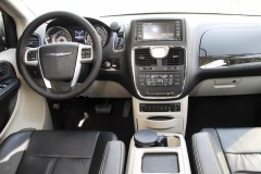 Chrysler Grand Voyager minivena foto attēls 12