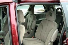Chrysler Voyager minivena foto attēls 3